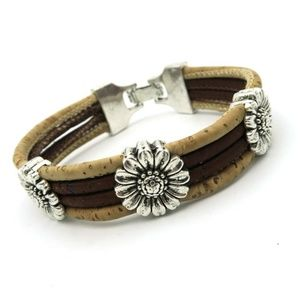 NWOT Two tone cork bracelet with silver flowers